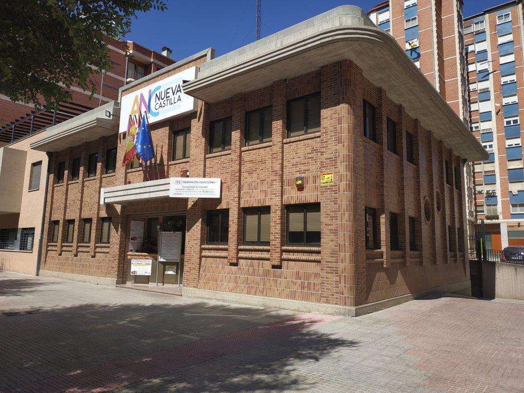 Academia Nueva Castilla - Calle Federico Martínez Varea, 31